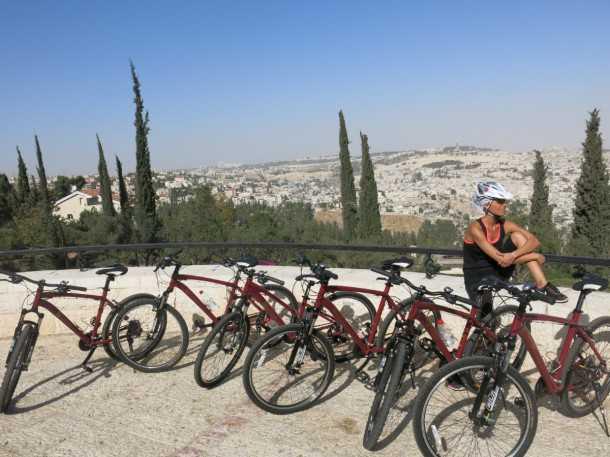 טיולי אופניים בירושלים עם מלון ענבל. חבילה המשלבת פינוקים של חמישה כוכבים עם חופשה פעילה. צילום: פז בר