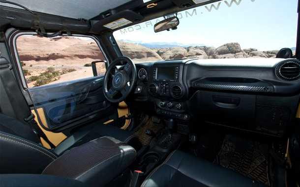 Jeep Wrangler Sand Trooper II. ריפודי עור, מצלמת חניה, נעילות דיפ' ודלתות נמוכות. צילום: JEEP