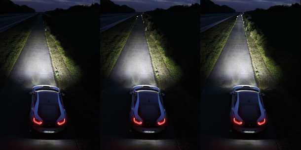 גם ל-ב.מ.וו יש פנסי לייזר בפיתוח. כאן רואים השוואה בין פנס קסנון (שמאלי ביותר) ל-LED שבמרכז ולייזר מימין. צילום: ב.מ.וו
