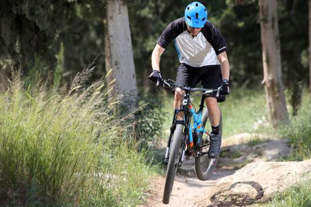 מבחן אופניים Cannondale Trigger 4. ליד הסלע או מעל לסלע - זה לא ממש משנה. צילום: תומר פדר
