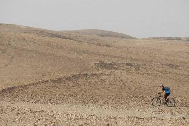 כל מסע אופניים מדברי מוצלח מתחיל בהכנות קפדניות. אופניים מתאימים בהחלט שיוסיפו לחוויה. באופן אידיאלי רצוי גלגלי 29, שיכוך מלא ומשקל מזערי. צילום: פז בר