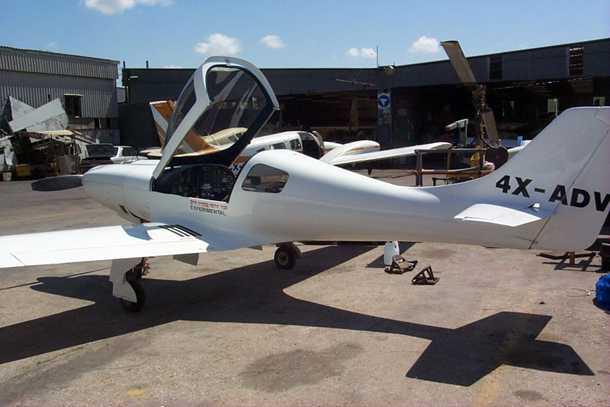 מטוס מבניה עצמית LANCAIR 360. לא לטייסים דלי שעות. המטוס מורכב עם כן נסע מתקפל, מדחף משתנה-פסיעה ומדפים. ראינו 190 קשר על השעון בישרה ואופקית. צילום: בעלים