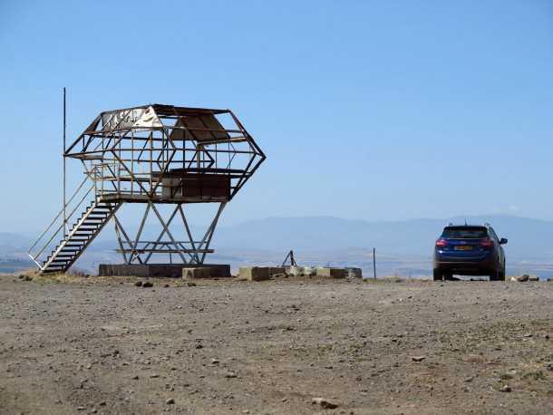 טיול שטח מנהריים לשרונה עם יונדאי IX35. צופים ממצפה אלות. עוצמת הרוח במקום הזה מרשימה מאד! צילום: רוני נאק