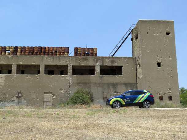 טיול שטח מנהריים לשרונה עם יונדאי IX35. משטרת גשר הישנה. מורשת קרב משמעותית, האתר מוזנח ומשמש כשטח אש. צילום: רוני נאק