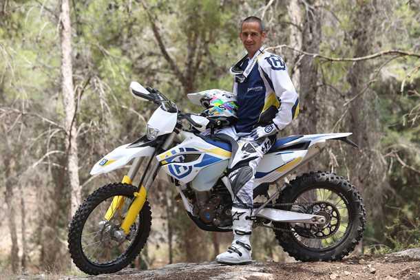 אופנועי הוסקוורנה בישראל. רז היימן עוזב את הצזיקי של יוון לטובת הכרוב הכבוש באוסטריה. צילום: פדר/טופלברג