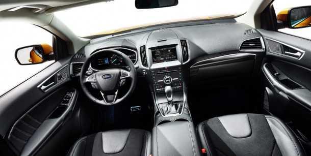 פורד אדג' 2015. חבילות איבזור חדשות כוללות חניה אוטומטית, בקרת שיוט אקטיבית, המון כריות אוויר וחישוקי גלגל ענקיים. צילום: פורד