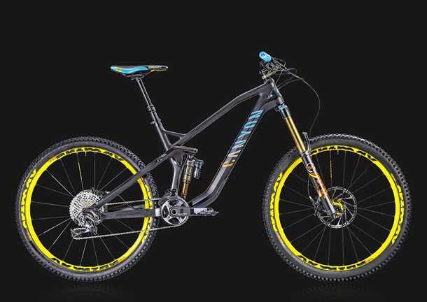 Canyon Strive CF. אופני אנדורו עם שלדת קרבון בעלי יכולת לשנות גיאומטריה ושיכוך. צילום: CANYON