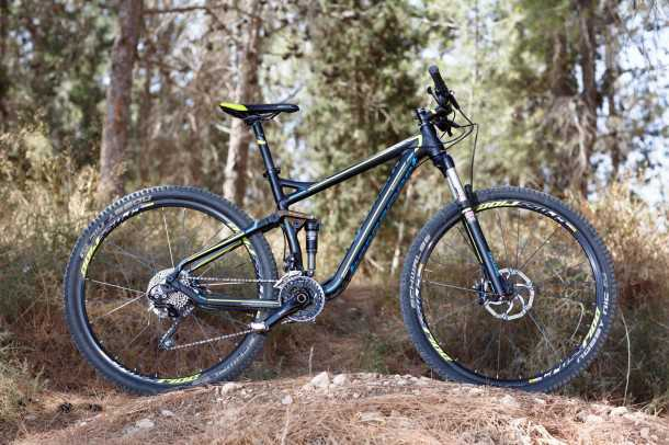 """Bergamont contrail LTD. אופני שבילים עם גלגלי 29 אינץ', ו-120 מ""""מ מהלך. קיט אביזרים טוב ומחיר של 12,500 שקלים. צילום: תומר פדר"""