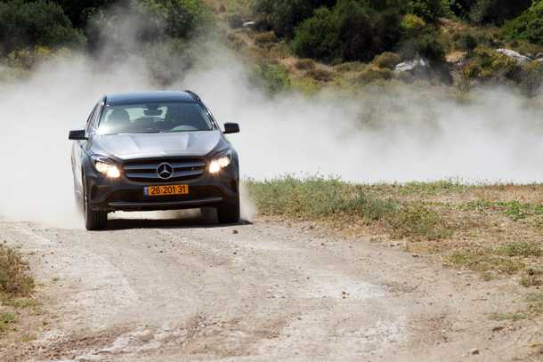 מבחן רכב מרצדס GLA. מחפשים G וואגן להרפתקאות בשטח? קחו את הגרסה בעלת ההנעה הכפולה וחבילת שטח - או לכו על הדבר האמיתי. צילום: רונן טופלברג
