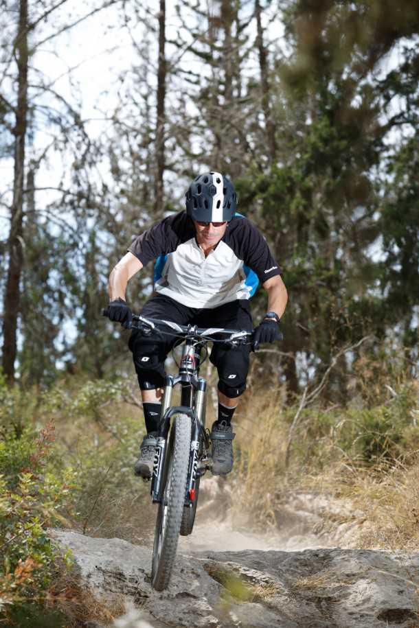 מבחן אופניים rocky mountain altitude 750. בולסים סלעים ונוסכי בטחון. ויכולים גם לזלול קילומטרים עם דיווש יעיל וטיפול מצויין בעליות. צילום: תומר פדר