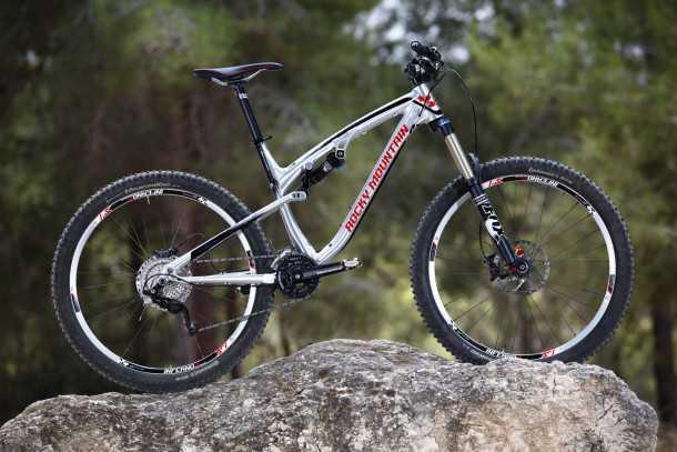 מבחן אופניים rocky mountain altitude 750. הכי טוב באלומיניום. מוצר פרימיום והמחיר בהתאם. צילום: תומר פדר