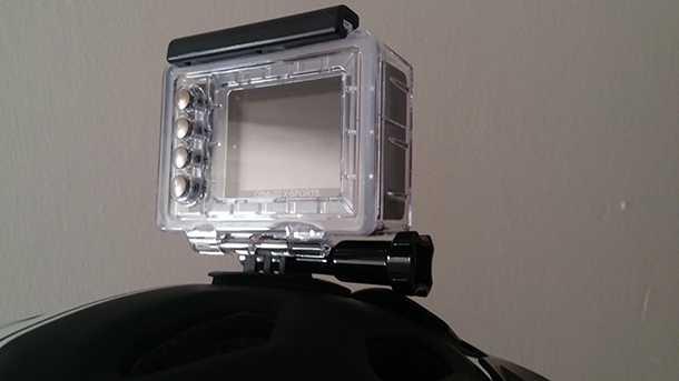 מצלמת אקסטרים TOSHIBA. כל התכונות ועוד של גו-פרו 3+ במחיר זול יותר ואיבזור רב יותר. צילום: רוני נאק