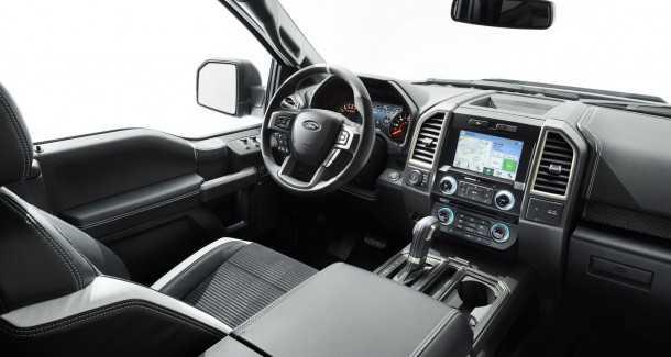 """פורד רפטור חדש! יותר מ-411 כ""""ס, 10 הילוכים. קוקפיט חדש ובורר מצבי נהיגה לכל סוג שטח. צילום: פורד"""