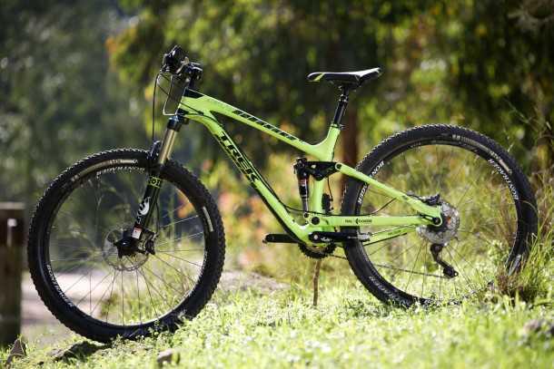 מבחן אופניים Trek Fuel EX 9.8 בהחלט אופני ההרים הטובים יותר שיש היום בשוק. המחיר לא קל 25,200 שקלים. קרבון, אלומיניום, מגנזיום וטיטאניום - הכל כאן! צילום: תומר פדר