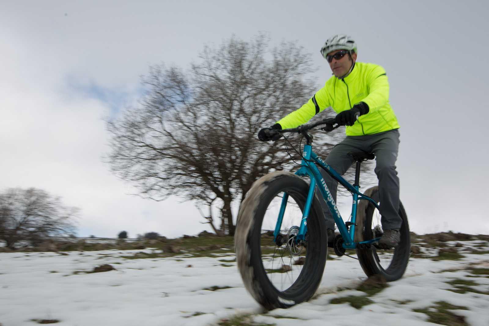 מבחן אופניים MONGOOSE ARGUS. שלג, דיונות וטיילת. האופניים שמשכו הכי הרבה תשומת לב - EVER! צילום: תומר פדר