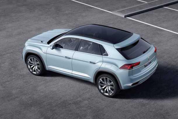פולקסווגן קרוס קופה GTE. קרוסאובר היברידי שאולי מקווים יטה את הכף לטובת VW בשנת 2015. צילום: VW