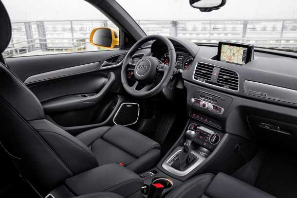אודי Q3 מעודכן, יותר איבזור, מנועים חדשים ועיצוב עדכני. המחיר ללא שינוי - החל מ-235 אלפי שקלים. צילום: אודי