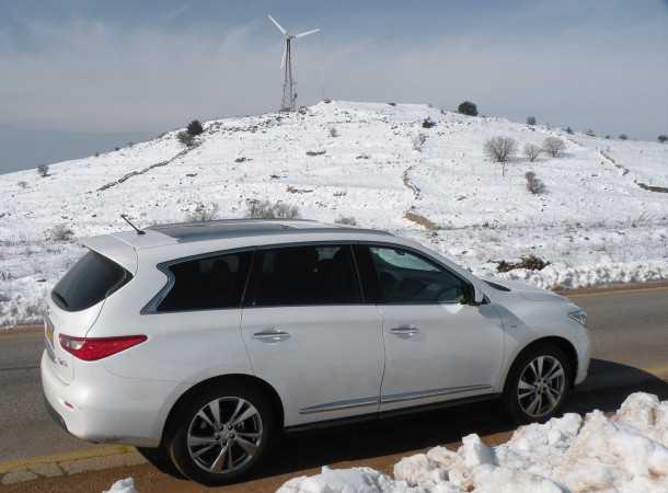 מבחן רכב אינפיניטי QX60. ארוך, מרווח, חזק ודי בנישת מחיר משלו. צילום: ניר בן זקן