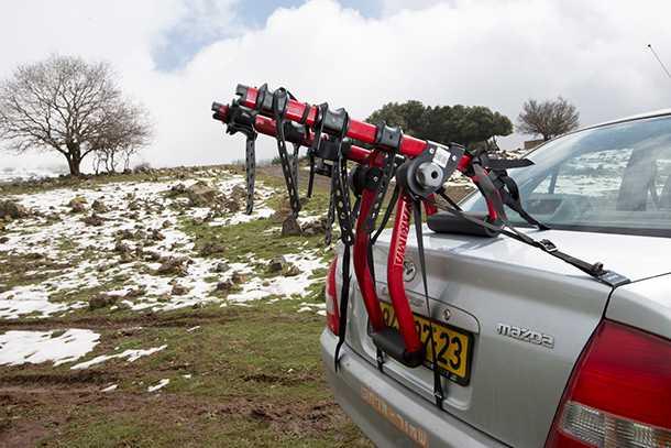 מנשא אופניים YAKIMA מרוזן ומינץ. עולה 880 שקלים לחברי המועדון ובעל תכונות ייחודיות. צילום: תומר פדר