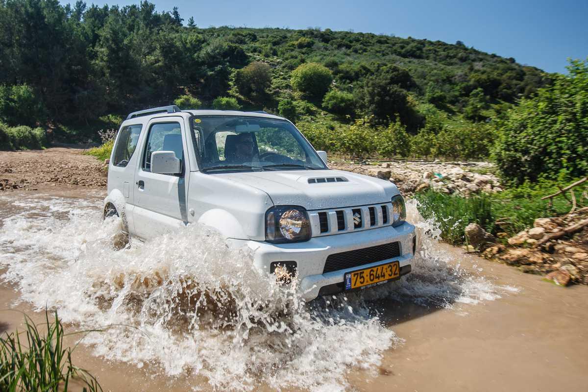 מבחן רכב סוזוקי ג'ימני ידני. עז הרים קטנה ועליזה במחיר של 100 אלף שקלים. צילום: נועם עופרן