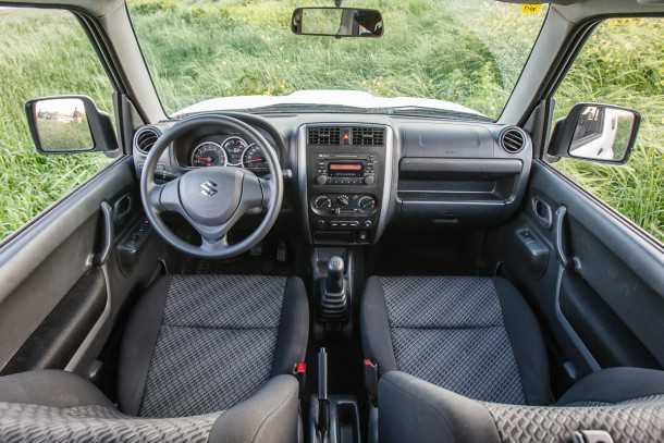 מבחן רכב סוזוקי ג'ימני ידני. בסיסי וחסון, אמין כמו זריחת החמה. צילום: נועם עופרן