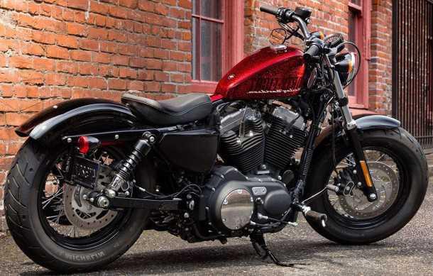 האופנוע עם השם הכי ארוך כאן: הארלי דווידסון ספורטסטר פורטי-אייט. הרבה סטייל ונשמה, מחיר מצויין! צילום: הארלי דווידסון