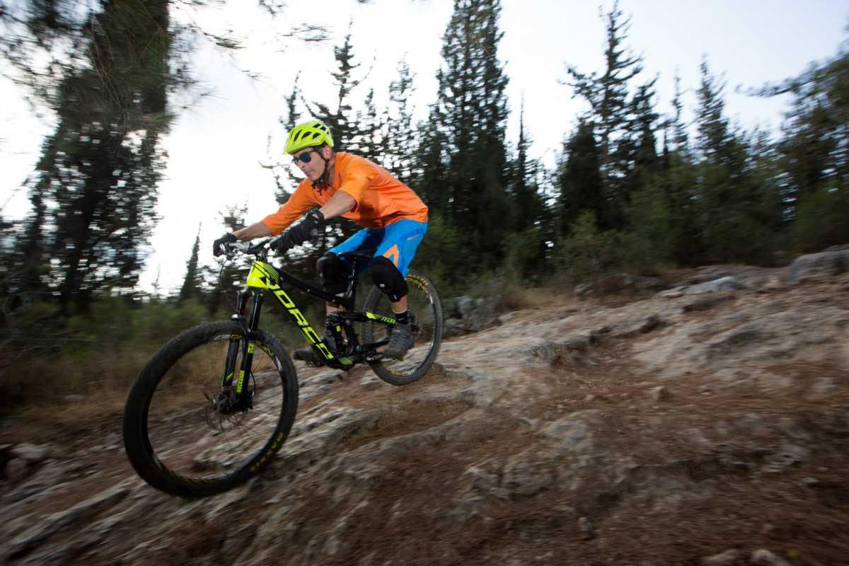 מבחן אופניים נורקו ריינג' קרבון 7.3. עושים חשק לרכוב ומעלים חיוך מטורף על פניך בכל פעם שתעשה את זה. צילום: תומר פדר