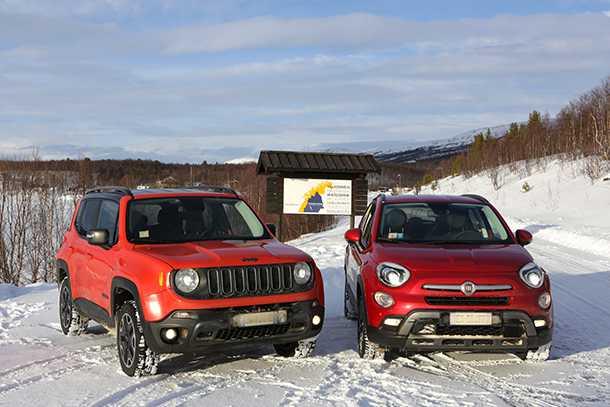 מבחן רכב פיאט 500X. אחיינים החולקים רכיבים רבים. פיאט 500X וג'יפ רנגייד. צילום: פיאט
