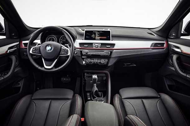 השקה ב.מ.וו X1. אדריכלות פנים בימרית טיפוסית. יש מערכות חדשות - קראו בטקסט! צילום: BMW