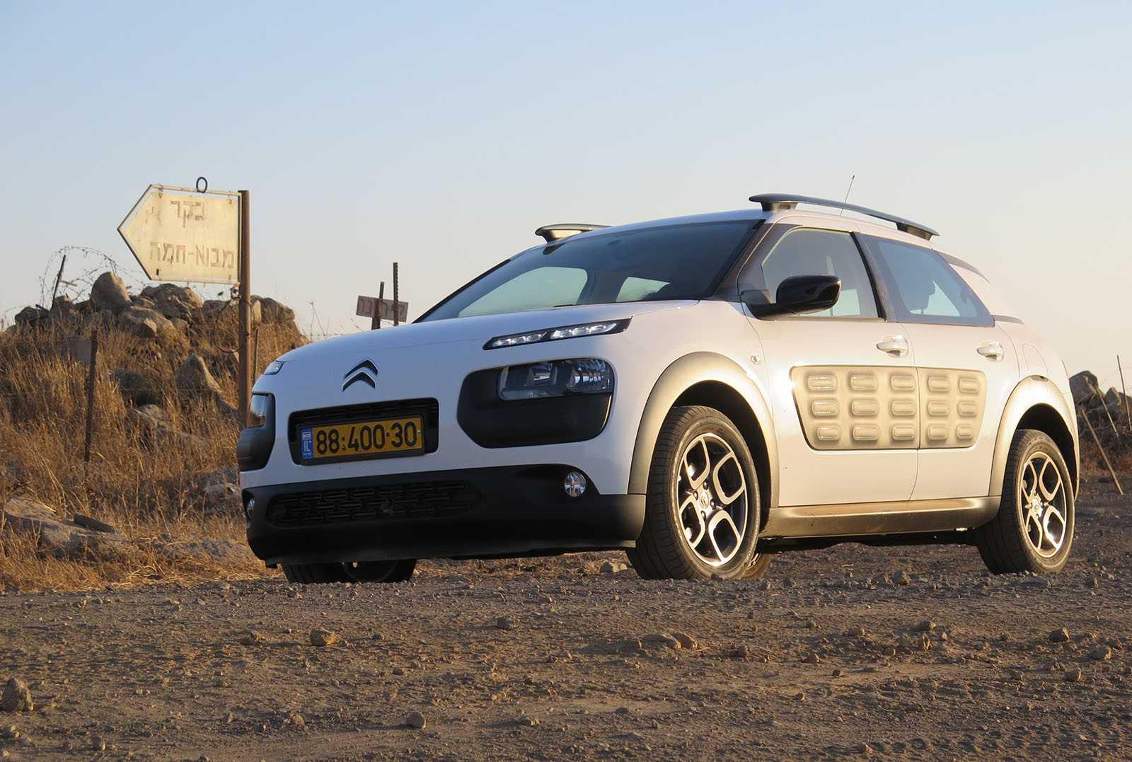 מבחן רכב סיטרואן קקטוס. לא רק קרוסאובר אלא גם הרבה יצירתיות. החל מ-90 אלף שקלים. צילום: רוני נאק