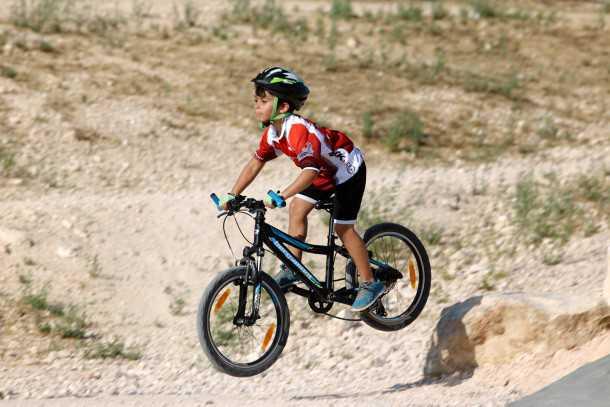 אופניים מקצועיים לילדים. ברגמונט ג'וניור בפעולה. צילום: תומר פדר