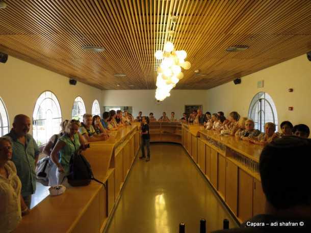 """תחושה של חו""""ל בקצרין. מרכז המבקרים של יקב רמת הגולן. אנשים ומקומות עם סוזוקי ג'ימני. צילום: עדי שפרן כפרה"""