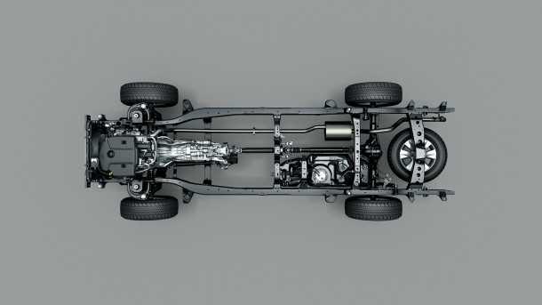 מבחן רכב טויוטה היילקס 2015. בסיס הגלגלים זהה - השלדה חדשה וכך כם מבנה המתלים וכיולם. צילום: TOYOTA