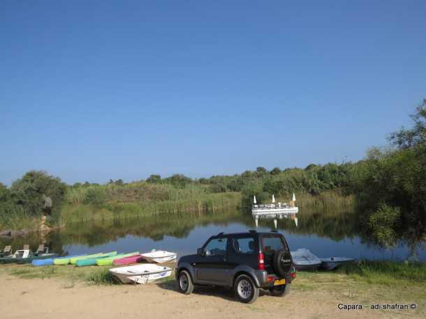 עם סוזוקי ג'ימני לאגם ניצנים. פינת חמד שנולדה מטעות אנוש. צילום: עדי שפרן כפרה