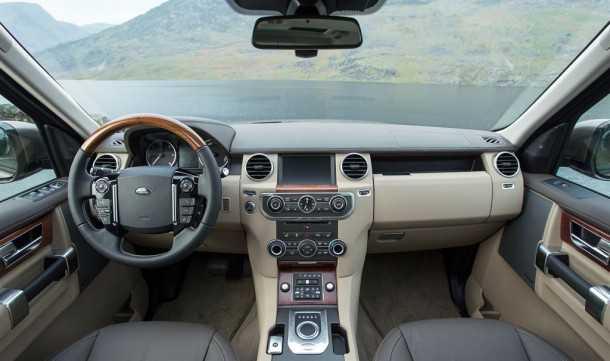מבחן רכב לנד רובר דיסקברי 4. מערכת שמע מעודכנת, 8 הילוכים, טריין ריספונס ומערך בטיחות והנעה מרשימים. צילום: רוני נאק