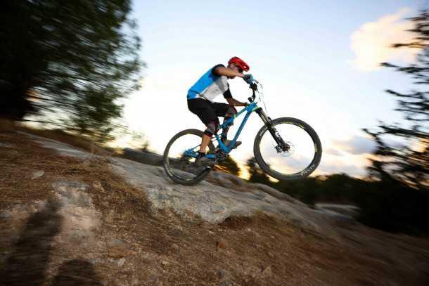 מבחן אופניים רוקי מאונטיין אלטיטיוד 750 MSL. משרים בטחון היכן שאופניים אחרים לא. צילום: תומר פדר