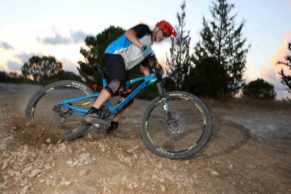 מבחן אופניים רוקי מאונטיין אלטיטיוד 750 MSL. הרבה יכולת ארוזה בחבילה הוליסטית. המחיר בהתאם. צילום: תומר פדר