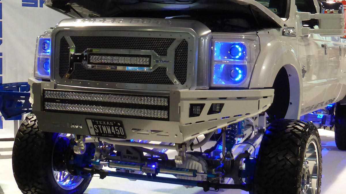 תערוכת שיפורי הרכב ואביזרי הרכב SEMA נפתחת בקול תרועה וטרפת. צילום באדיבות אאוטבק טכנולוגיות