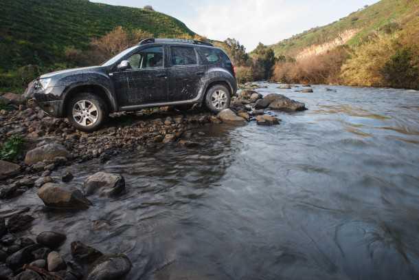 דאצ'יה דאסטר 4X4 בנזין. האם זה הרכב שיחזיר את השטח למטיילים? צילום: נועם עופרן