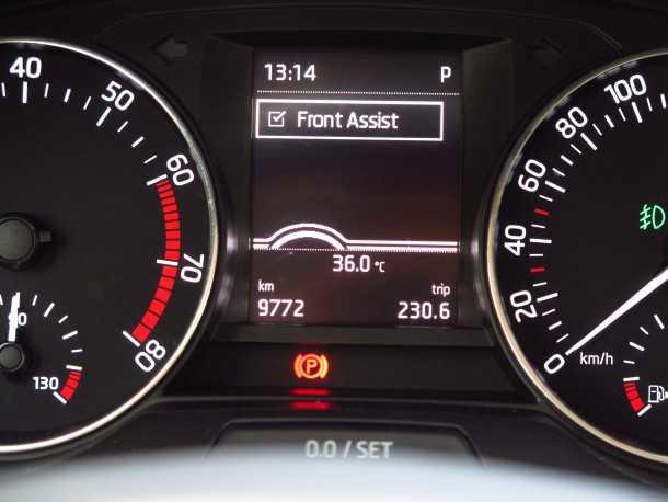 """בייקמוביל סקודה פאביה ספייס. ראוי לצל""""ש! מערכת אקטיבית כזו יש רק במכוניות יקרות הרבה יותר. התרשמנו! צילום: רוני נאק"""