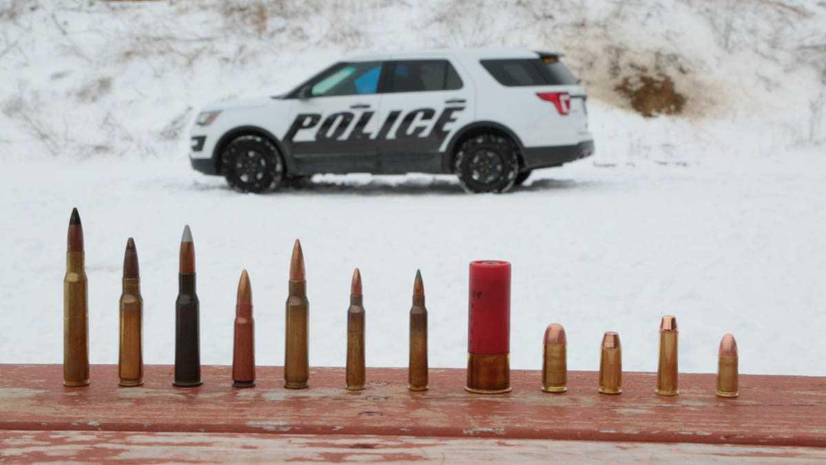 פורד אקספלורר עכשיו בגרסת הניידת הממוגנת ירי. בקרוב על כביש 443? צילום: פורד