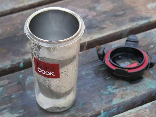 מים רותחים המון! בישול קפה וחימום מזון ללא אש. צילום: רוני נאק