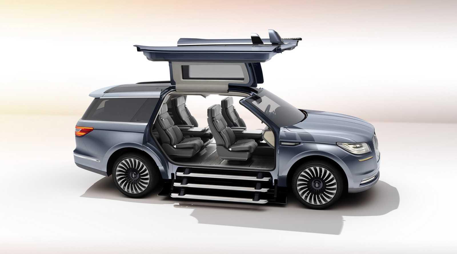 קונספט לינקולן נוויגטור - דלתות שחף והמון פאר ברכב פנאי שטח בגודל מלא. צילום: פורד