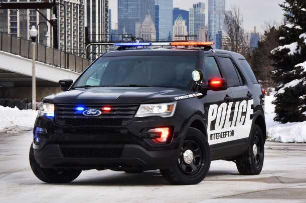 ניידת משטרה פורד אקספלורר ממוגן ירי - בקרוב ברחוב הסמוך לביתך. צילום: פורד