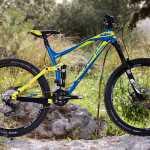 מבחן אופניים ק.ט.מ LYCAN LT 274. אופני אנדורו תחרותיים בקצת פחות מ-14K! להוציא מהקרטון ולצאת לתחרות. צילום: תומר פדר