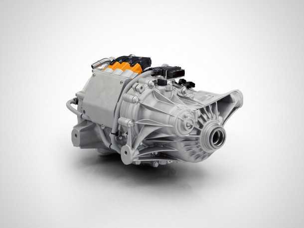 לזה קוראים ERAD והוא המנוע החשמלי אשר מניע את הגלגלים האחוריים. איזה מתוק! צילום: וולוו