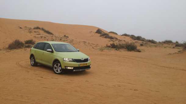 """ירוקה ומקסימה מבחן רכב סקודה ספייסבק סקאוטליין. רק 119,000 שקלים לרכב החינני הזה. וכן. עוד 100 כ""""ס מתבקשים. צילום: רוני נאק"""