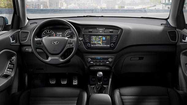 """יונדאי i20 CROSS - רכב פנאי חדש של יונדאי החל מ-109,900 שקלים. צילום: יח""""צ"""