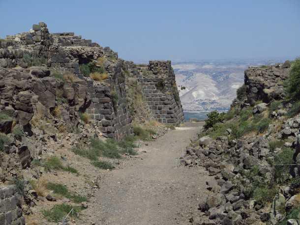 כוכב הירדן - מצודה אשר עמדה בפני עשרות שנים של התקפות ולא איכזבה את אבירי המסדר ההוספיטלרי גם אחרי המפלה בקרב קרני חיטין. צילום: רוני נאק