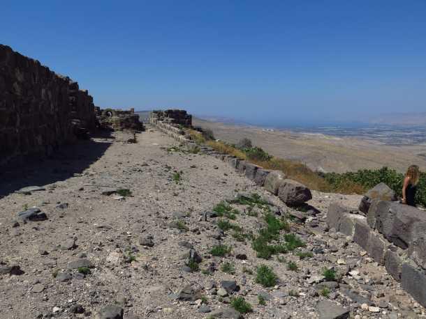 כוכבר הירדן - מבט לצפון מזרח לעבר הכנרת ועמק הירדן. צילום: רוני נאק
